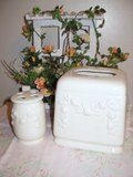 Shabby  Chic � Rose Embossed Bath Set